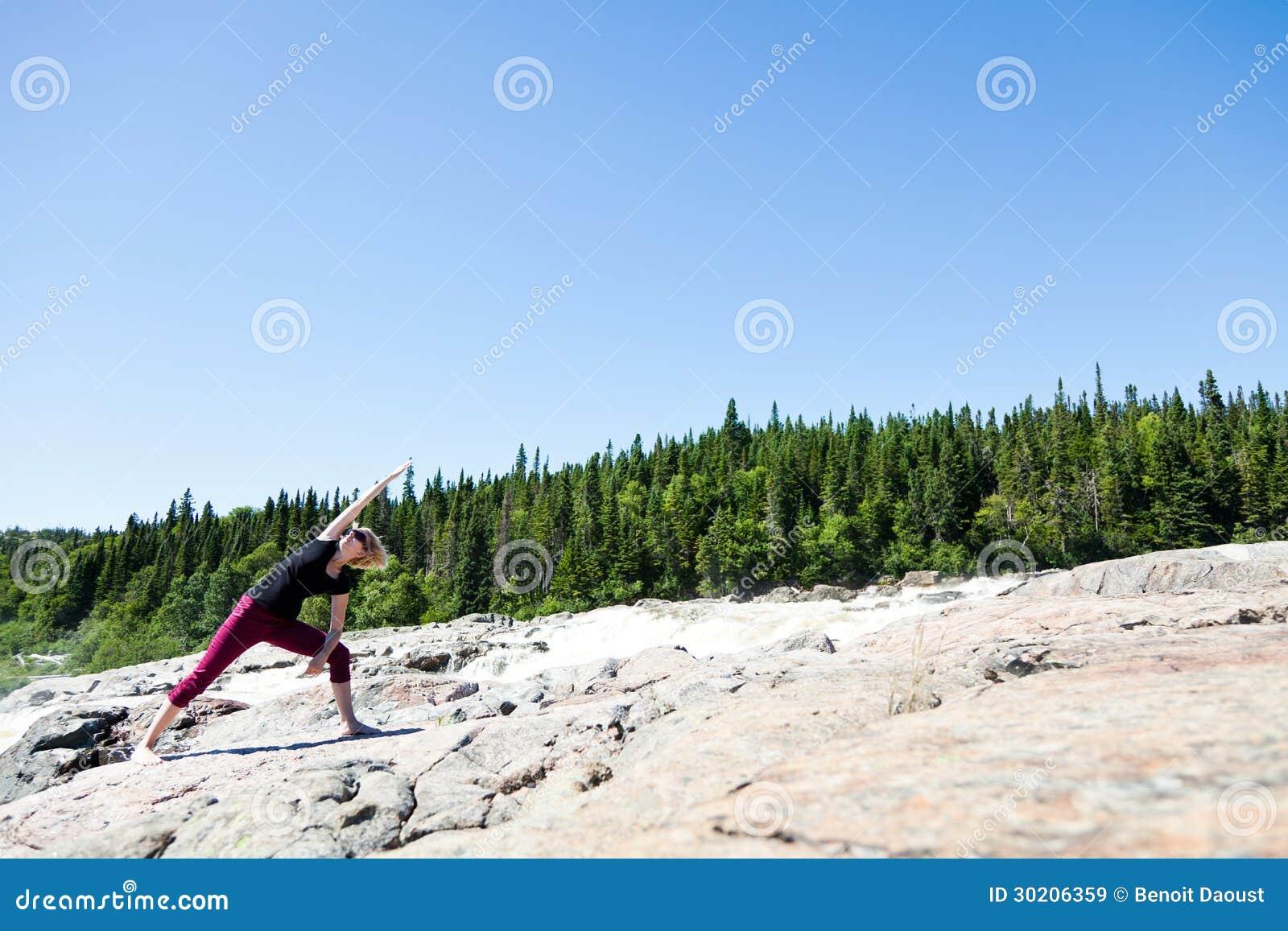 Yoga I Natur Royaltyfria Bilder - Bild: 30206359