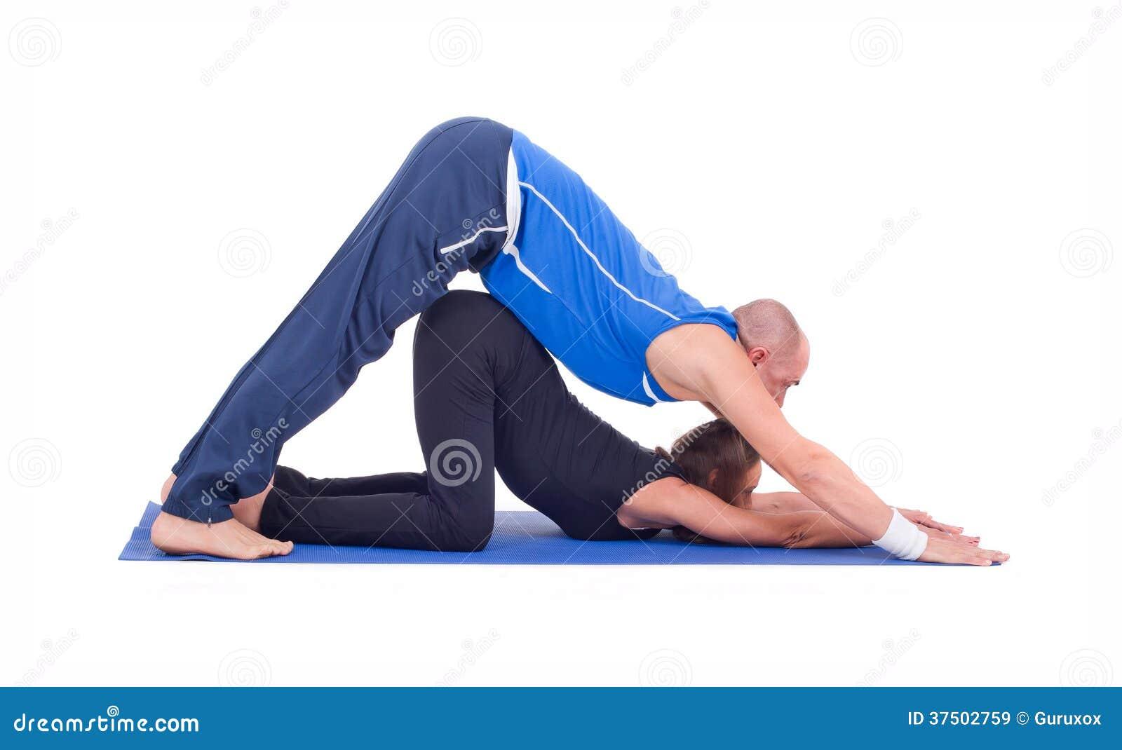 Yoga practicante de los pares