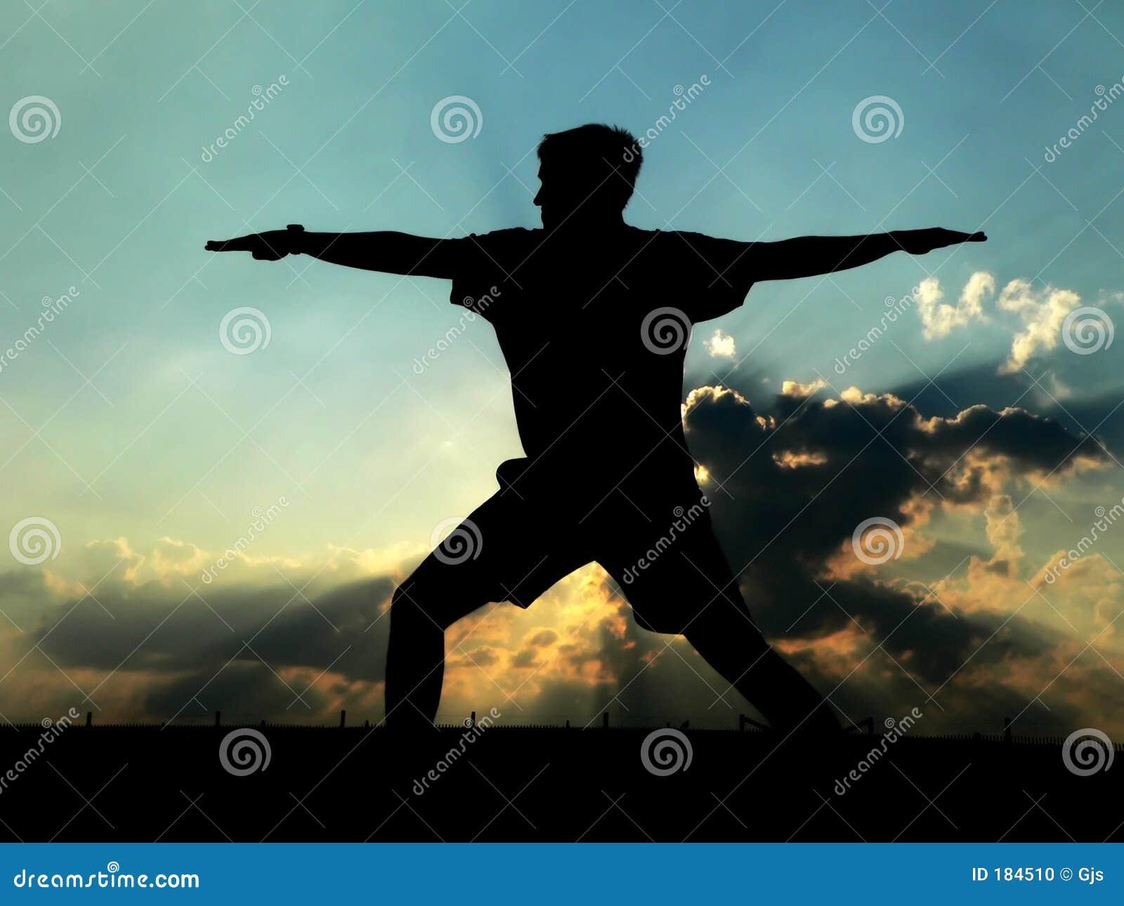 Yoga practicante del hombre