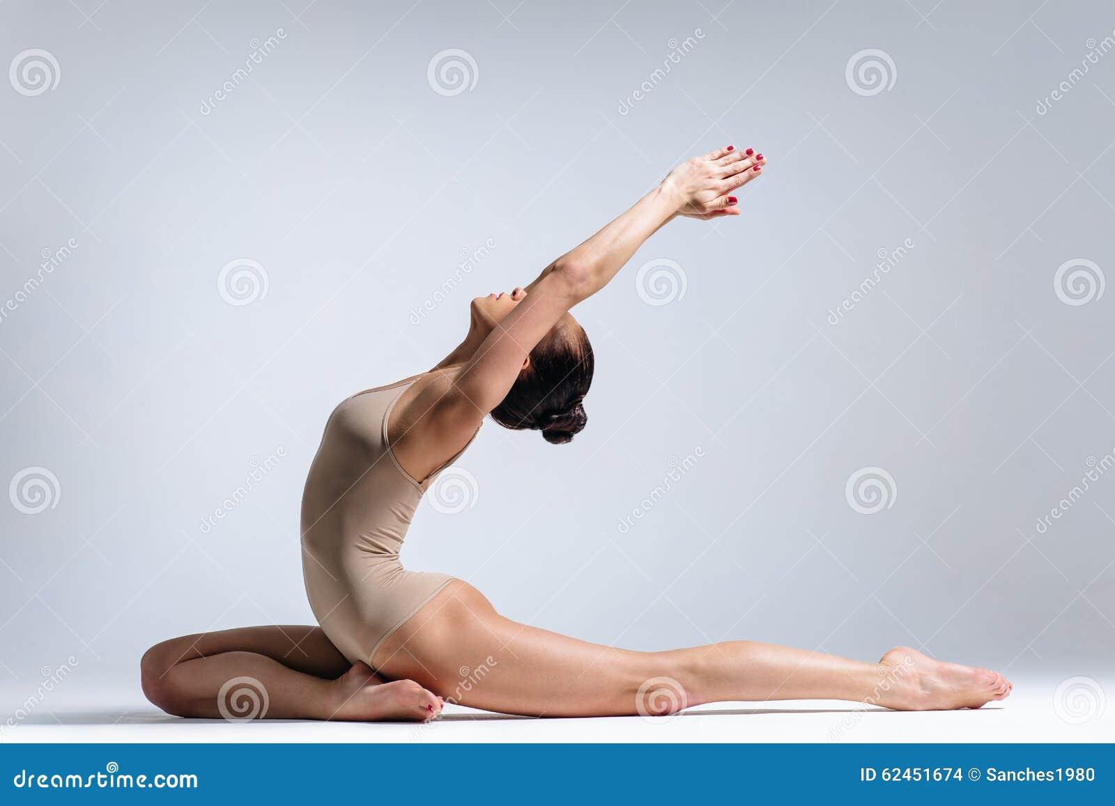 Amateur brunette naked
