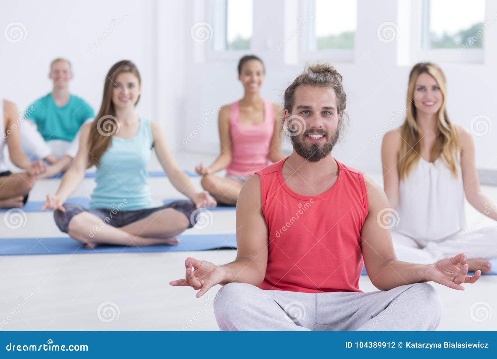 Yogins que medita en actitud del sukhasana