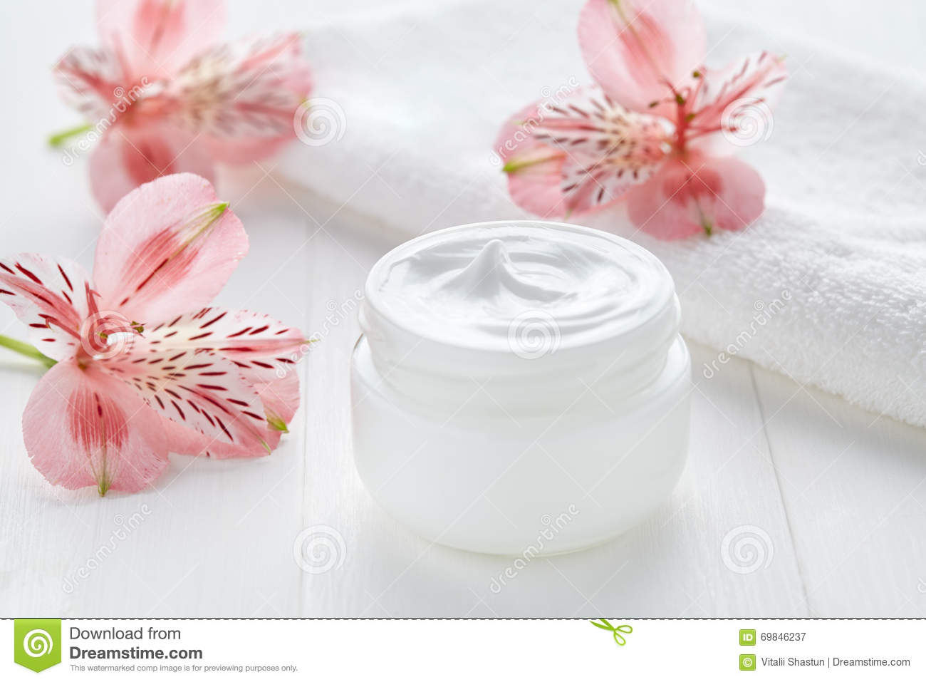 Yogurt Cream Natural Organic Beauty Cosmetic Product Wellness And Relaxation Royalty Free Stock Photography