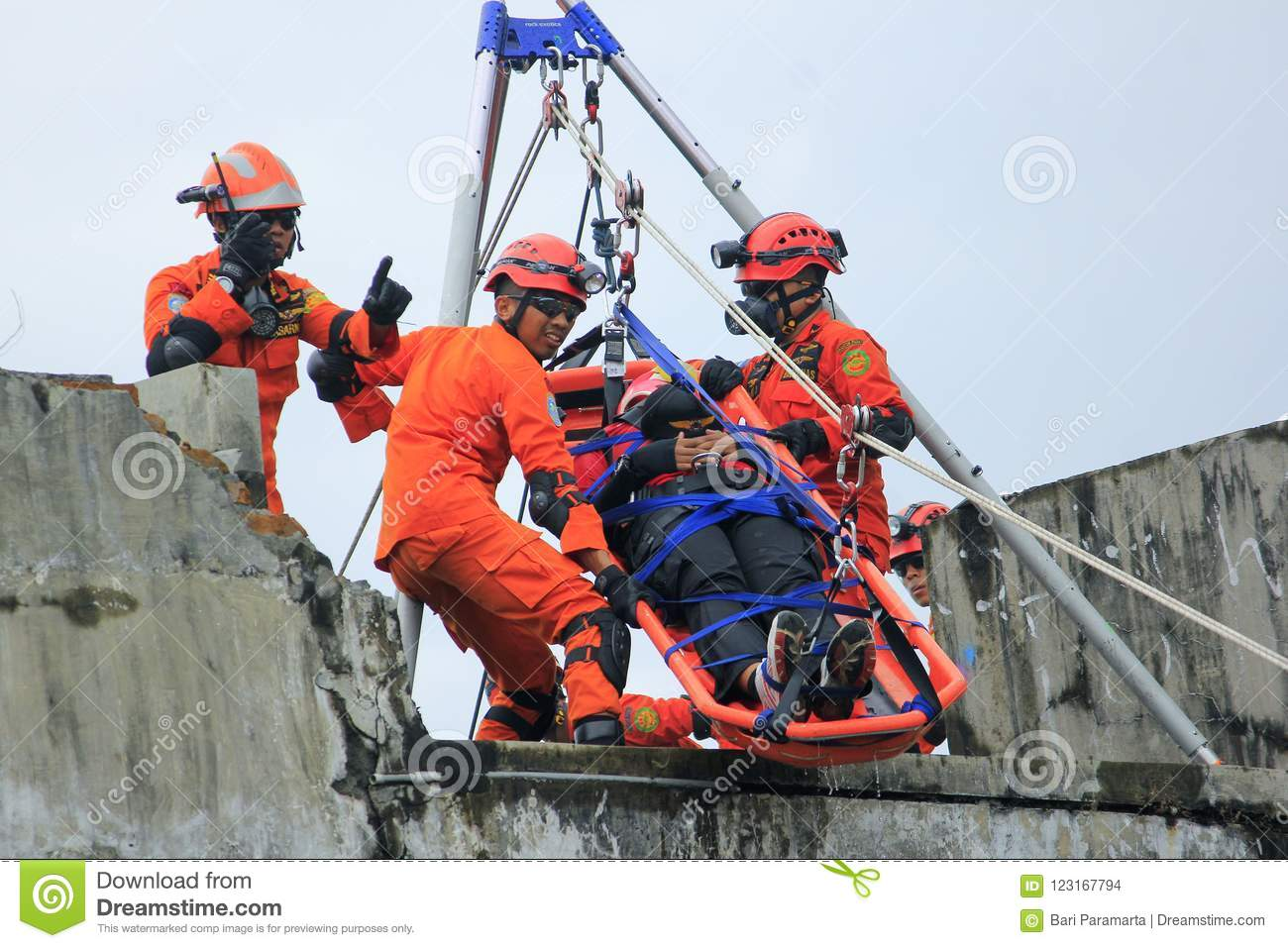 Download National Rescue Action Evacuation From Height Editorial Stock Image - Image of earthquake, collaboration: 123167794