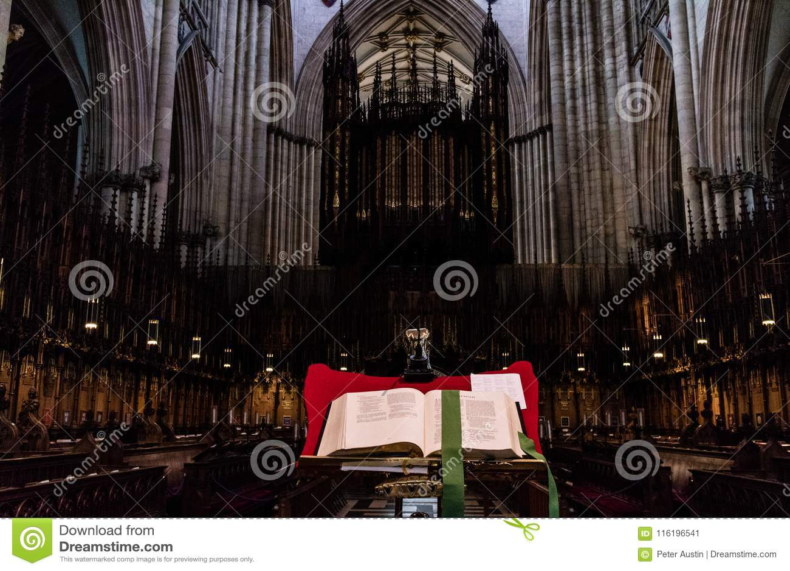 York, Reino Unido - 02/08/2018: Igreja interna de York