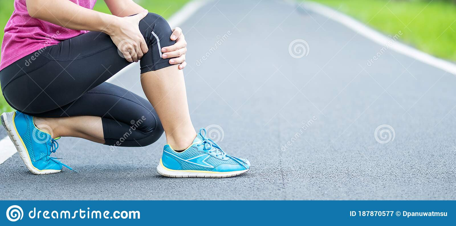 Young Adult Female With Muscle Pain During Running. Runner Have Ache Due To  Runners Knee Or Patellofemoral Pain Syndrome, Stock Image - Image of  patellofemoral, park: 187870577