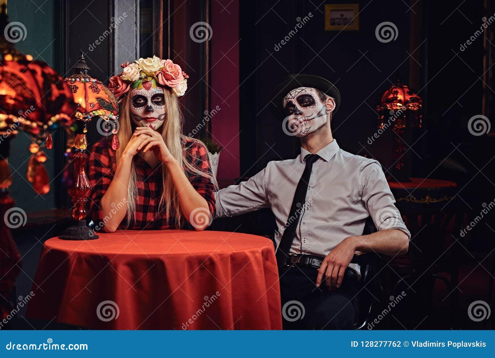Dating masquerade