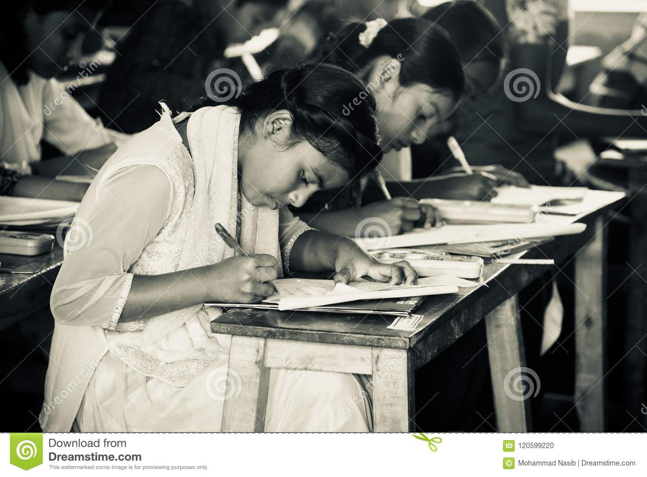 Download Bangladesh Children Seats For The Examination In The School Editorial Image - Image of asian, black: 120599220