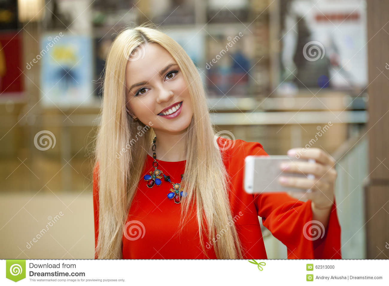 young blonde nude cell phone