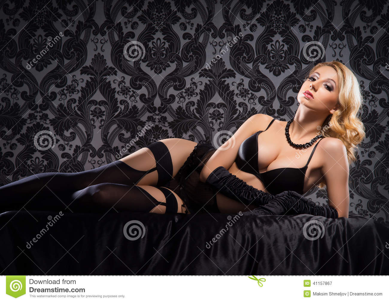 7f4f1567bf9 Young And Beautiful Cabaret Dancer In Vintage Lingerie Stock Image ...