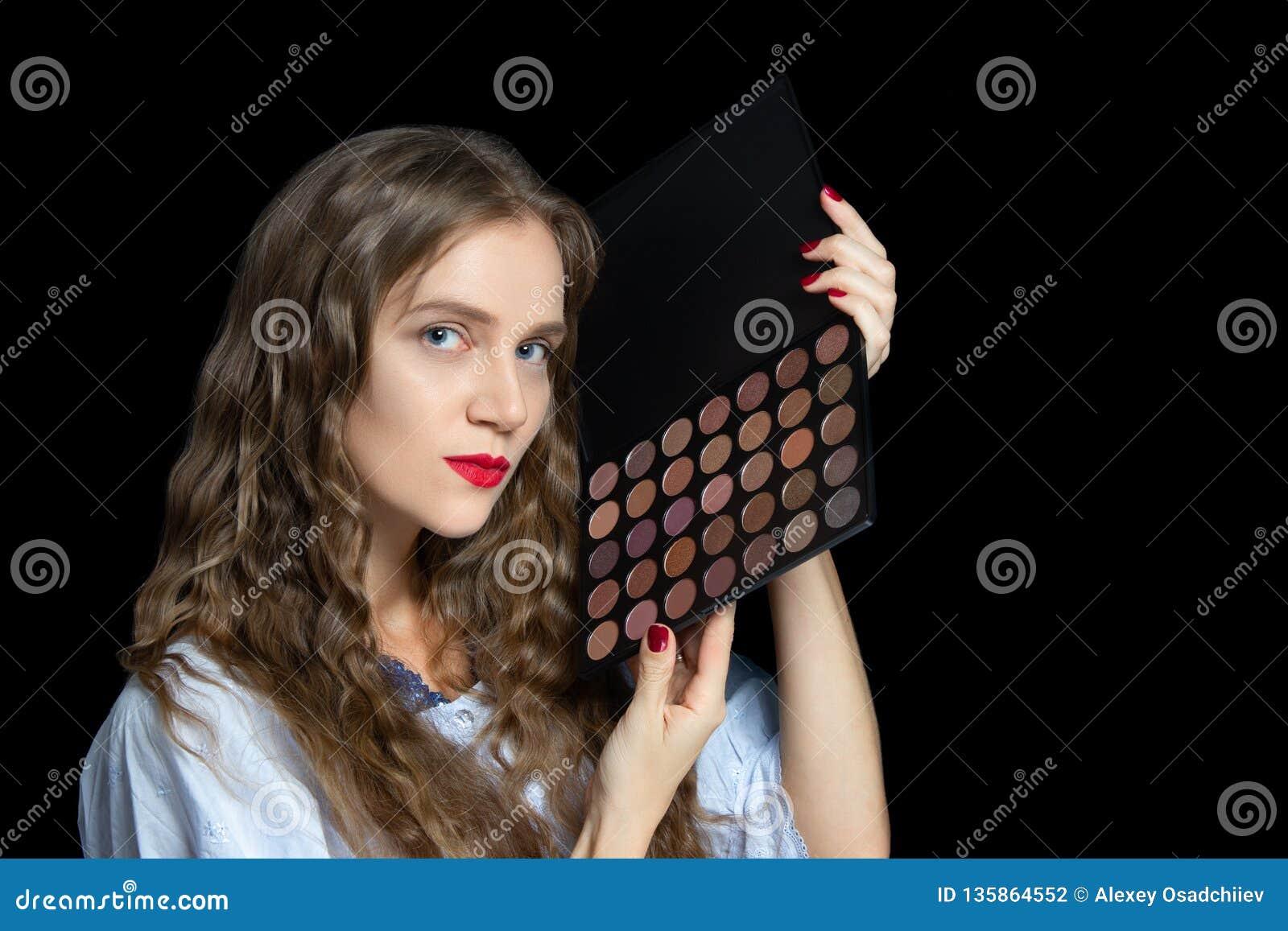 Девушка модель работы с заказчиком полина пушкарева