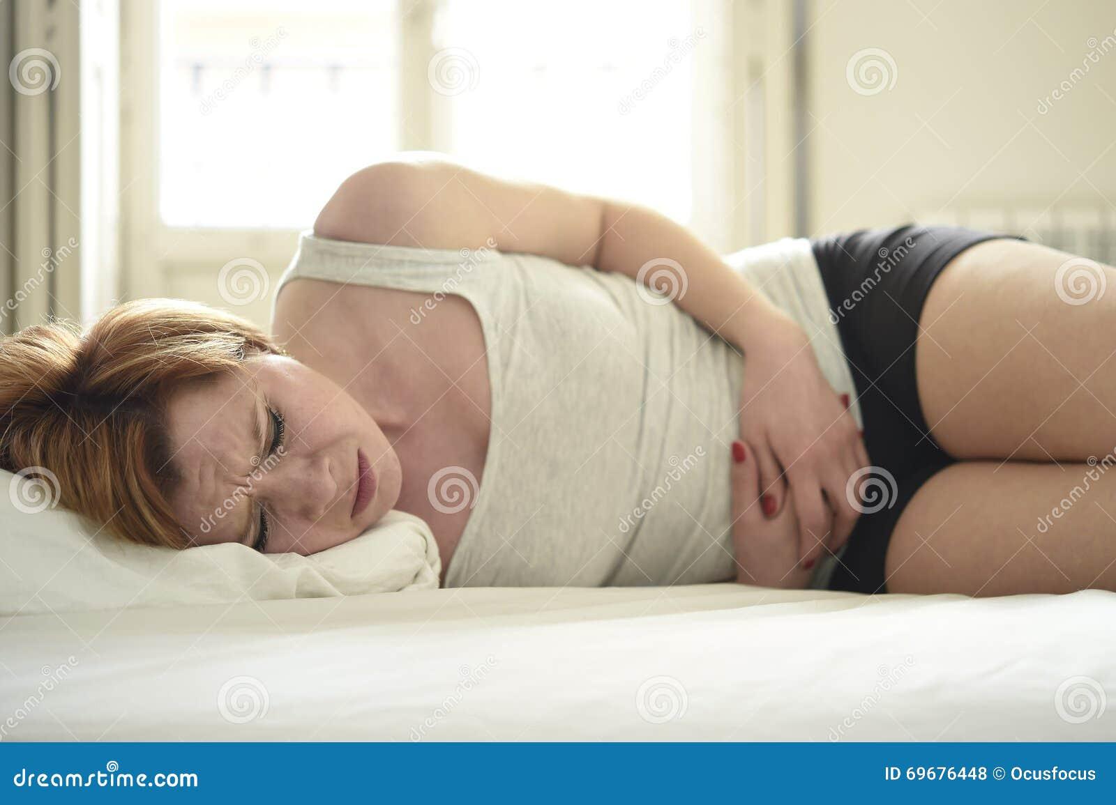 videos girl menstruating in bed