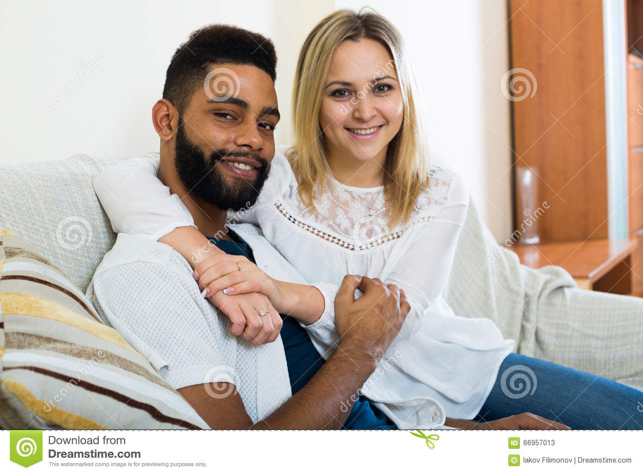 Attrayant Download Young Blonde And Boyfriend Cuddling On Couch At Home Stock Image    Image Of Friends