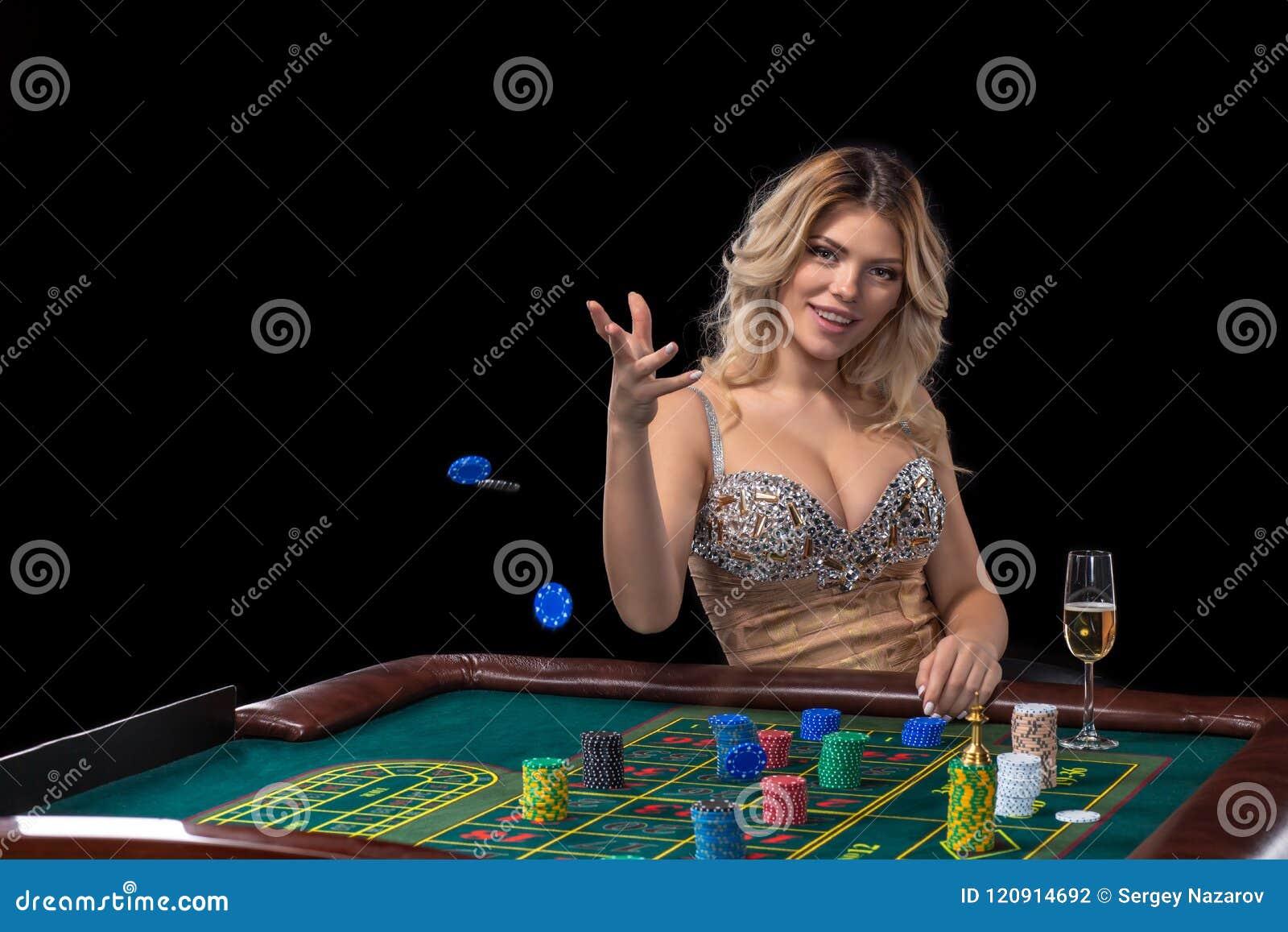 блондинка в казино
