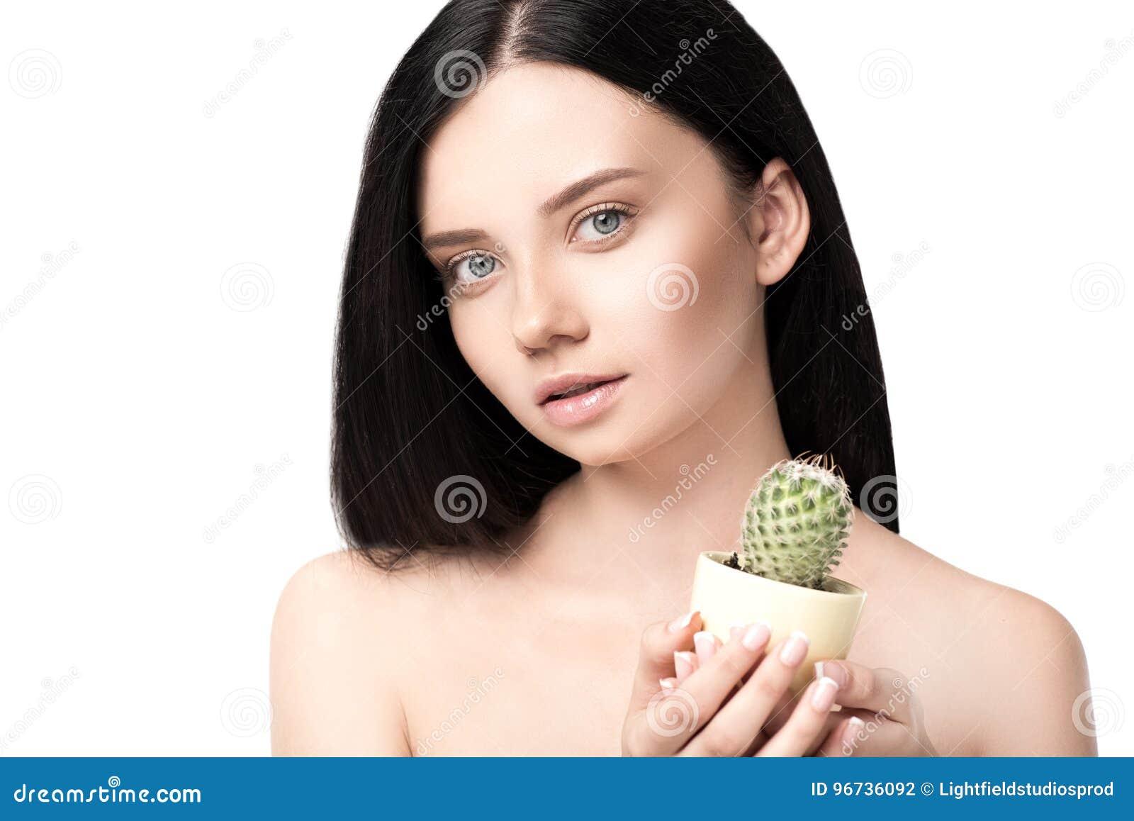 nacktes-maedchen-kaktus