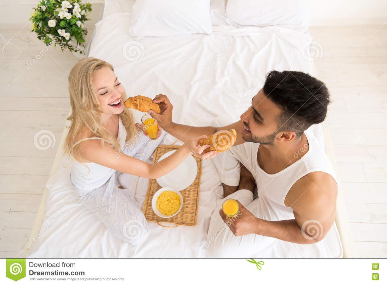 morning view single men Webmd talks to parenting experts for their top tips for single parents skip to main content and the time the family wakes up in the morning fairly consistent.