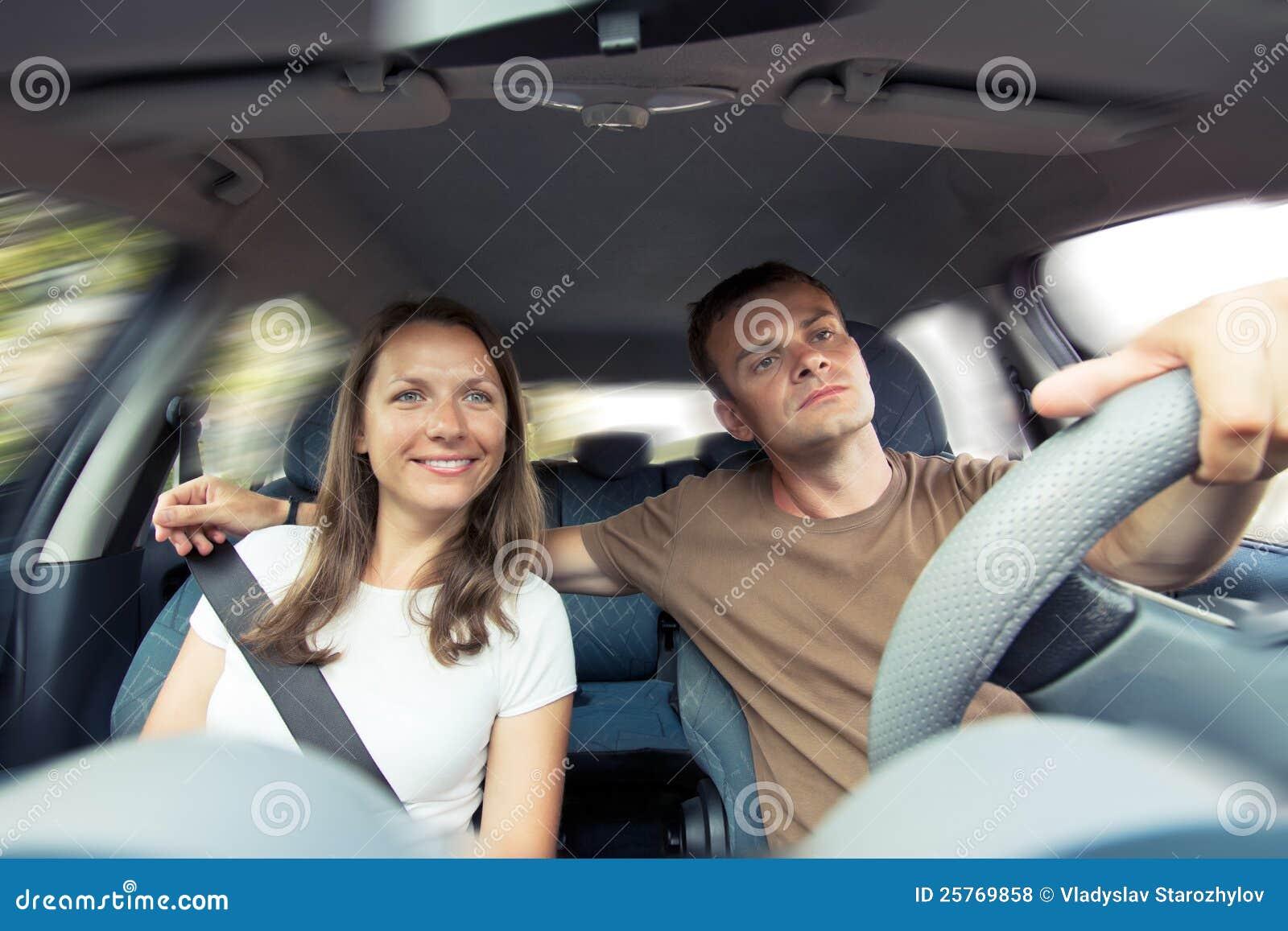 Фото пара в машине 15 фотография