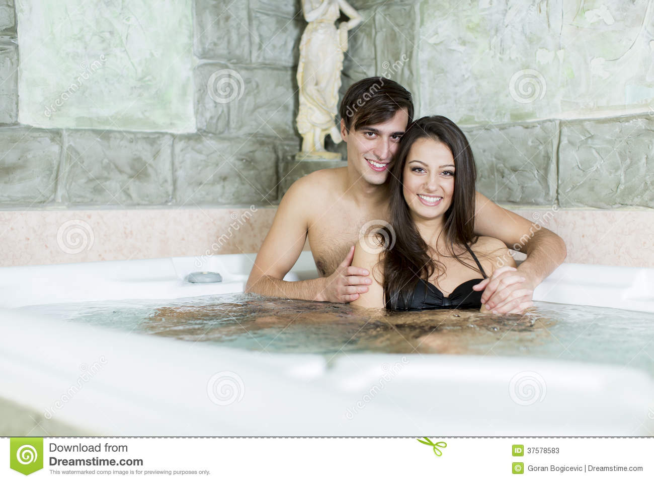 EroticaX Young couple romantic & passionate bathtub