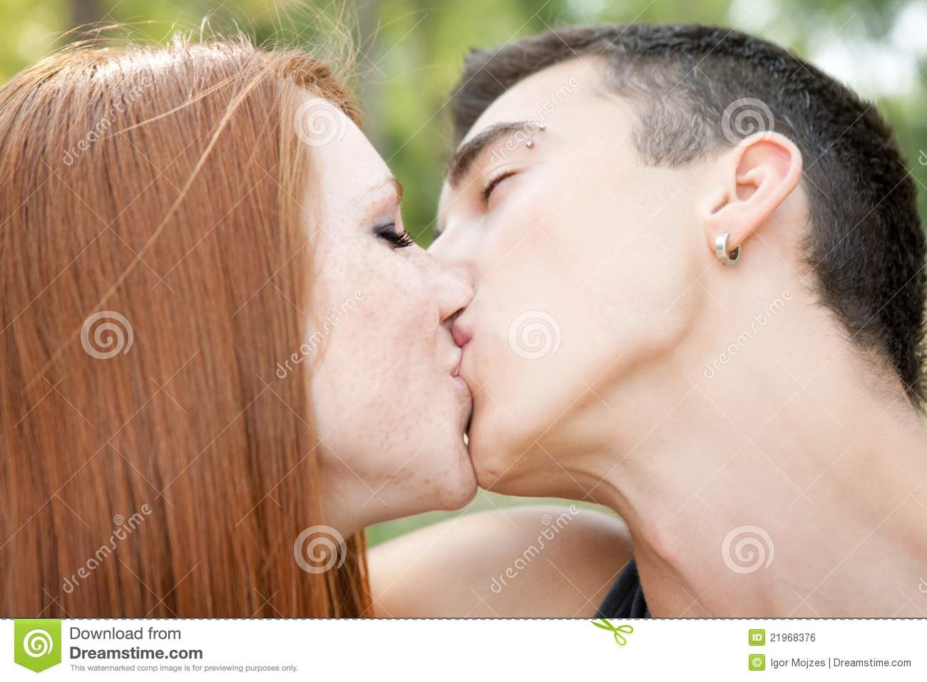 kissing couple young porn