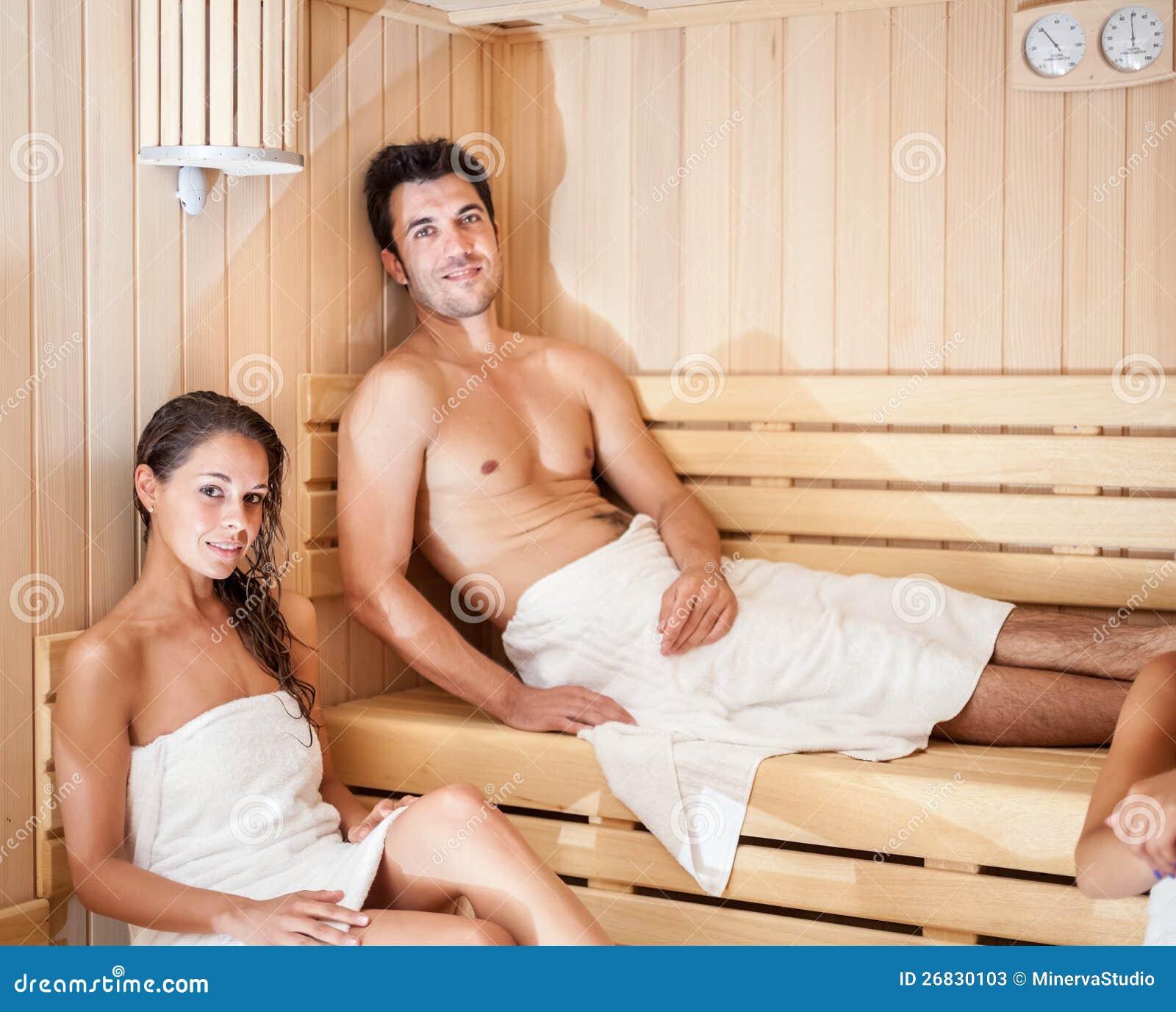 Русские девочки в сауне порно 21 фотография