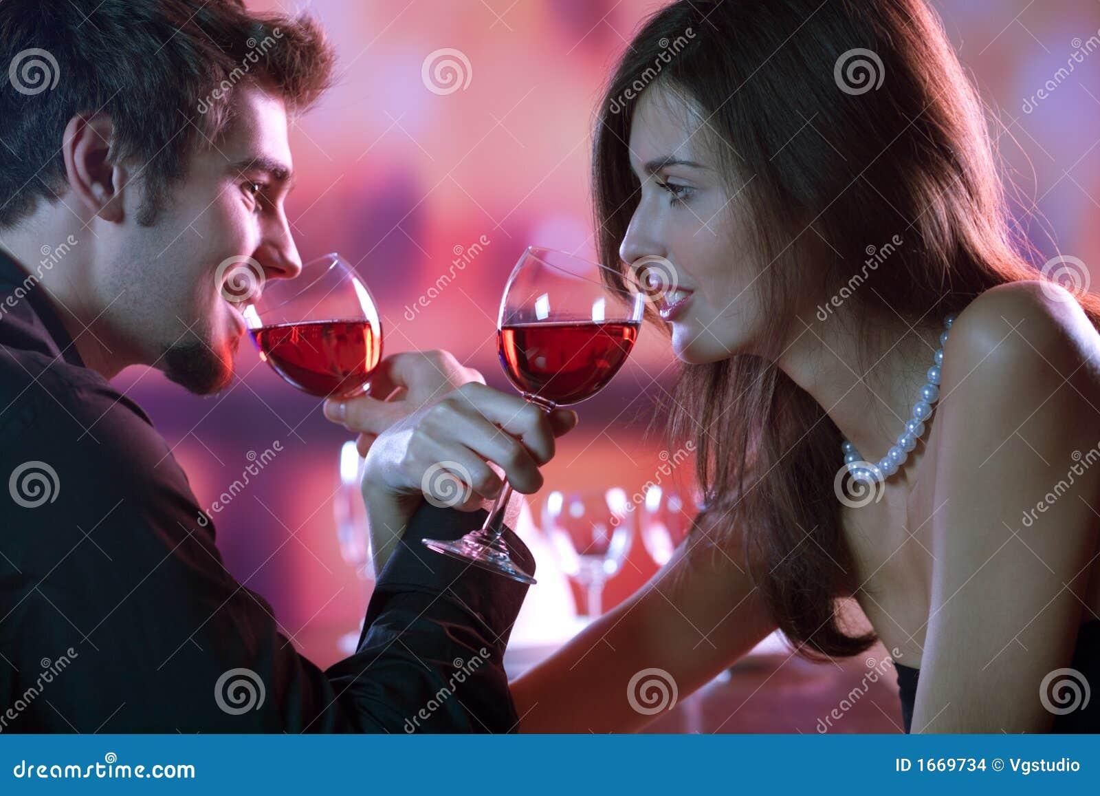 Рассказы про романтические отношения между девушками 23 фотография