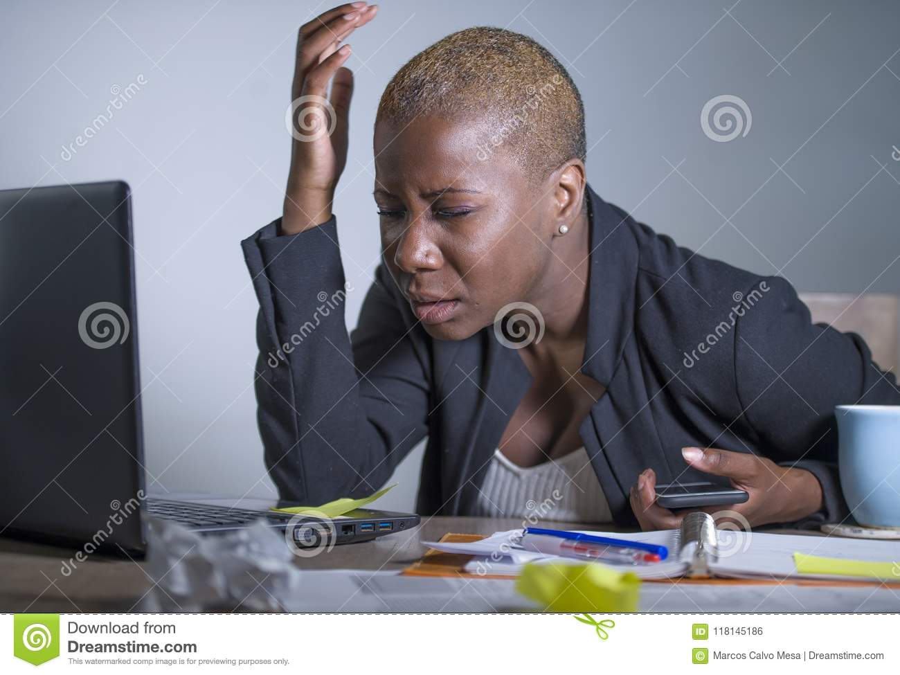 Download Young Desperate And Stressed African American Business Woman Working At Laptop Computer Desk At Office Suffering Stress Problem Us Stock Photo - Image of desk, computer: 118145186