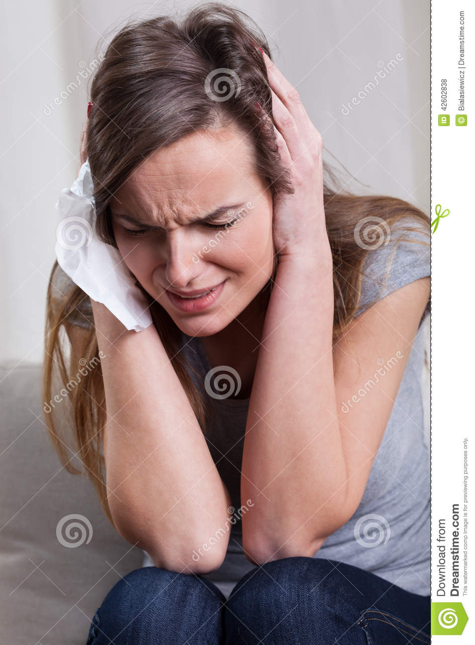 A young woman desperate to keep her jewelry 4