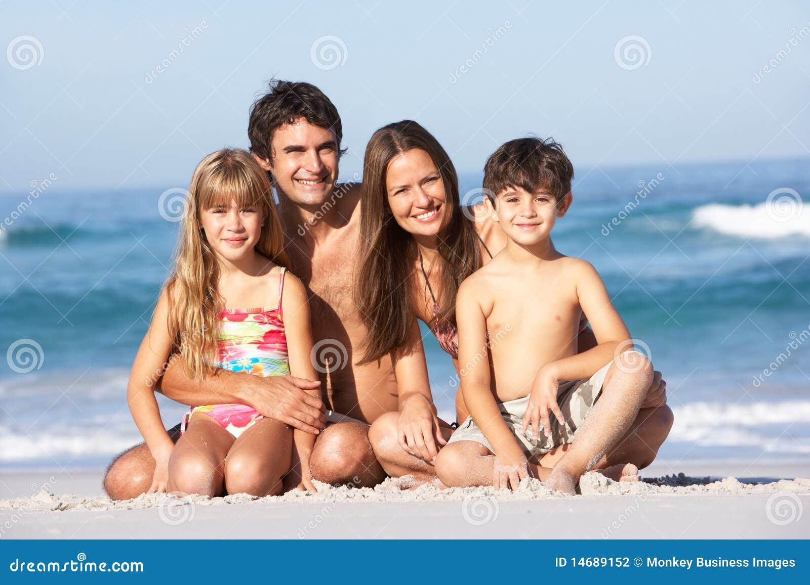 Нудистки семья мне