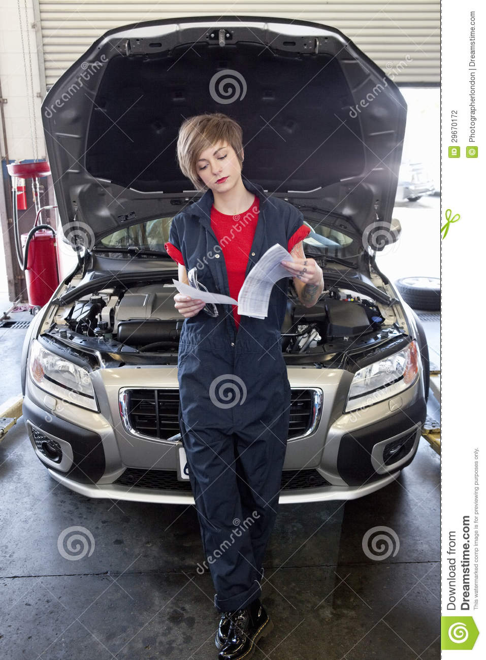 how to open the bonnet on a murano