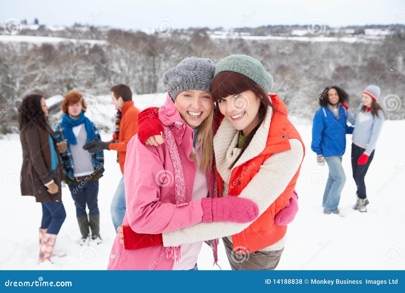 Фото подружек зимой 26 фотография