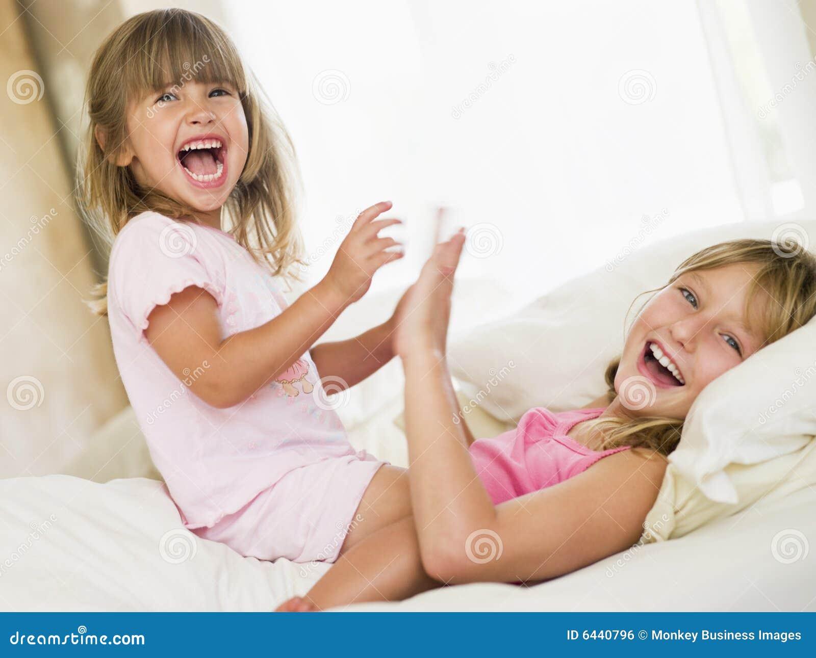 Проснулся в кровати сестры 6 фотография