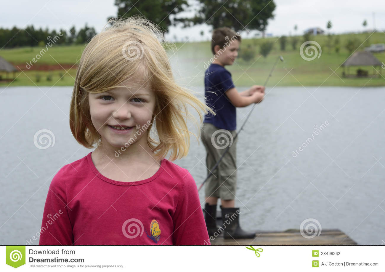 Little girl fishing game download free apps silverforge for Fishing games for girls