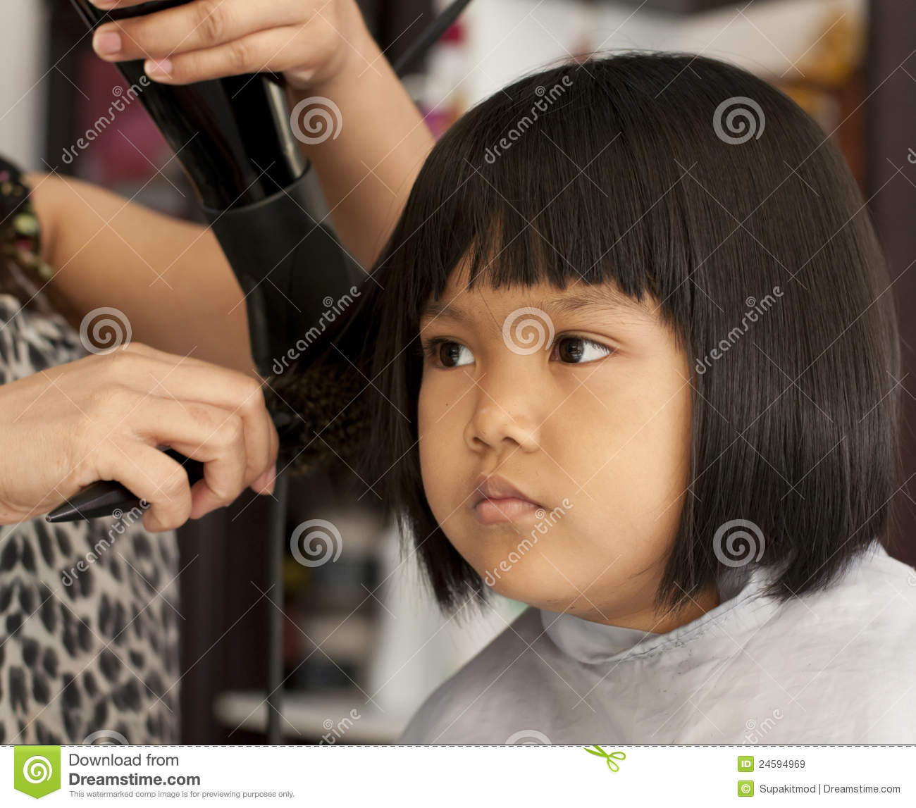Young Girl Getting A Haircut Stock Image Image Of Hair Beauty