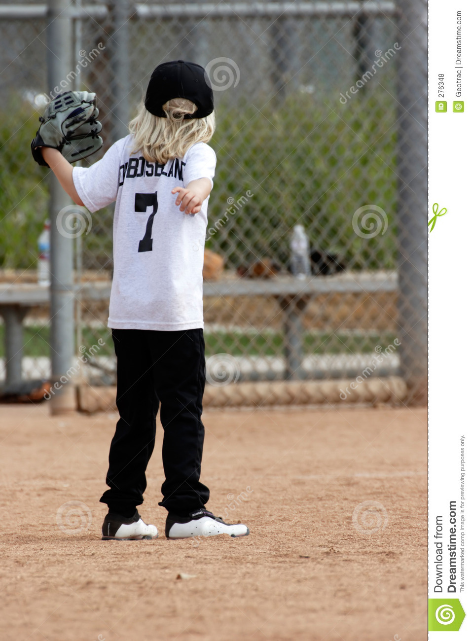 essay girls play baseball For more than a century, baseball has been a sport for young and old to play, but it also is a form of exercise while the professional level of the sport has experienced some ebb and flow in prominence, baseball remains a staple youth activity around the world.