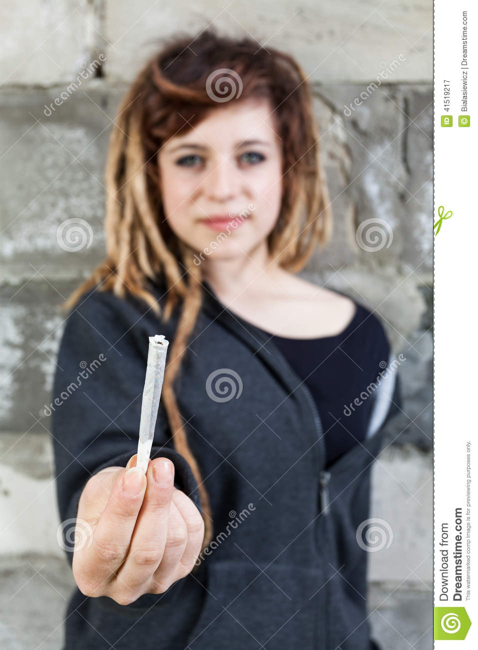woman smoking weed and fucking com