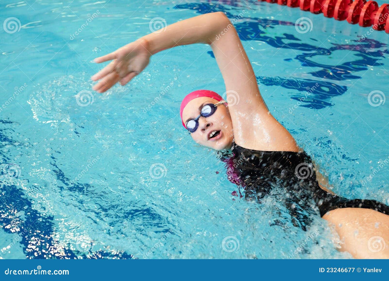 Юри в бассейне 11 фотография