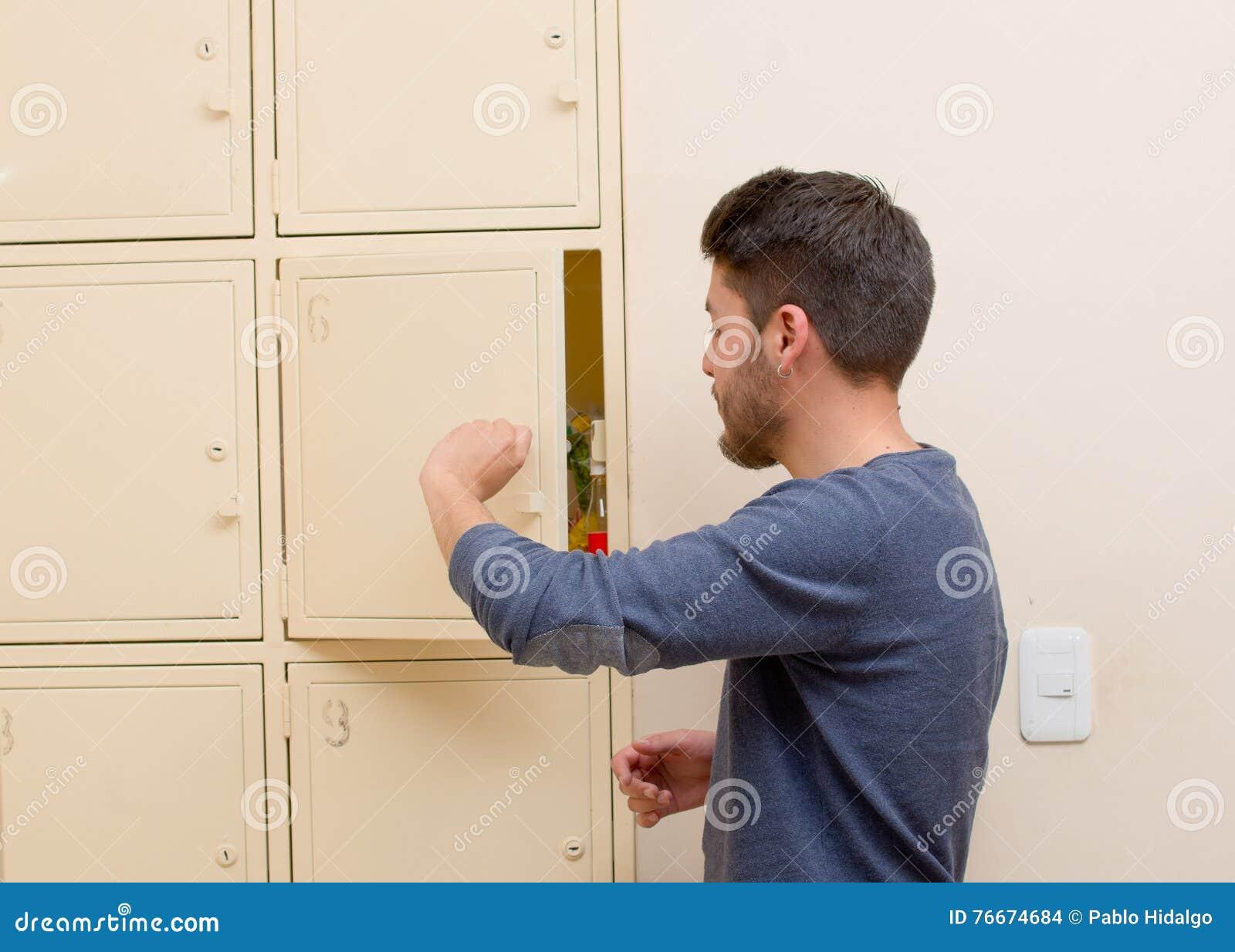 how to open my locker at school