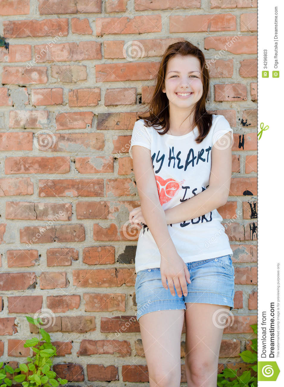 Young Happy Smiling African American Black Teen Girl With: Happy Teen Girl Standing Stock Photography