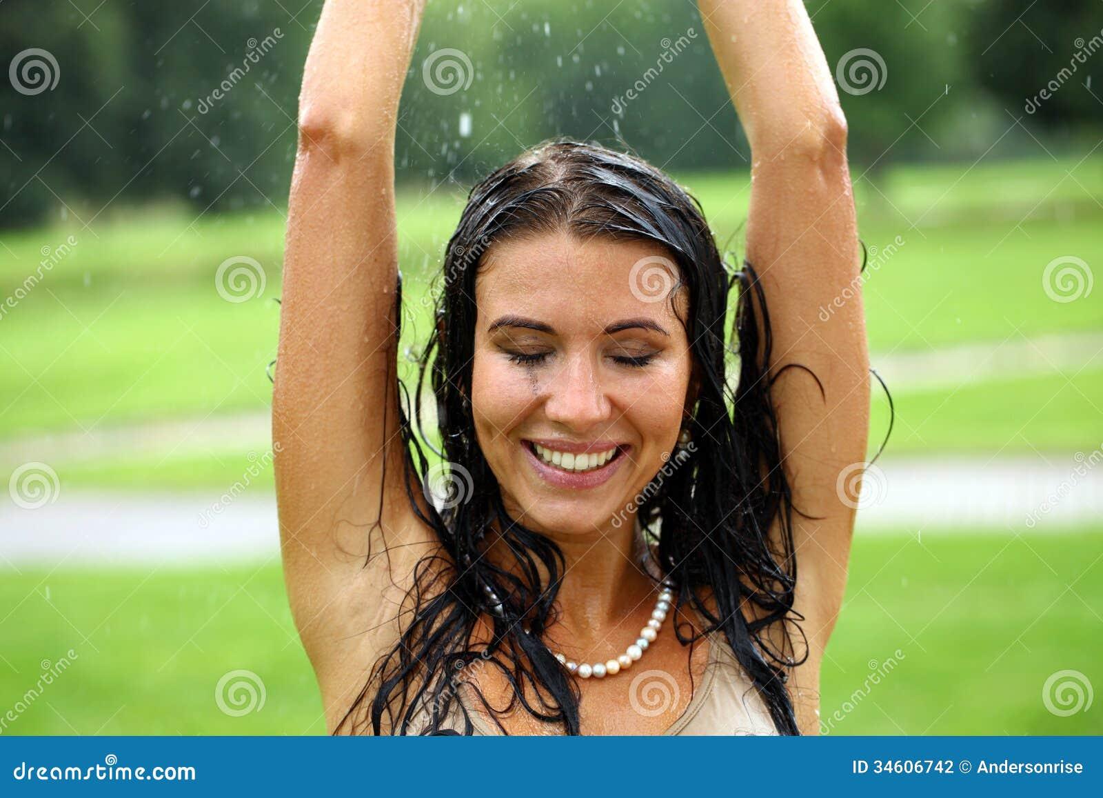 wet naked black girl pics