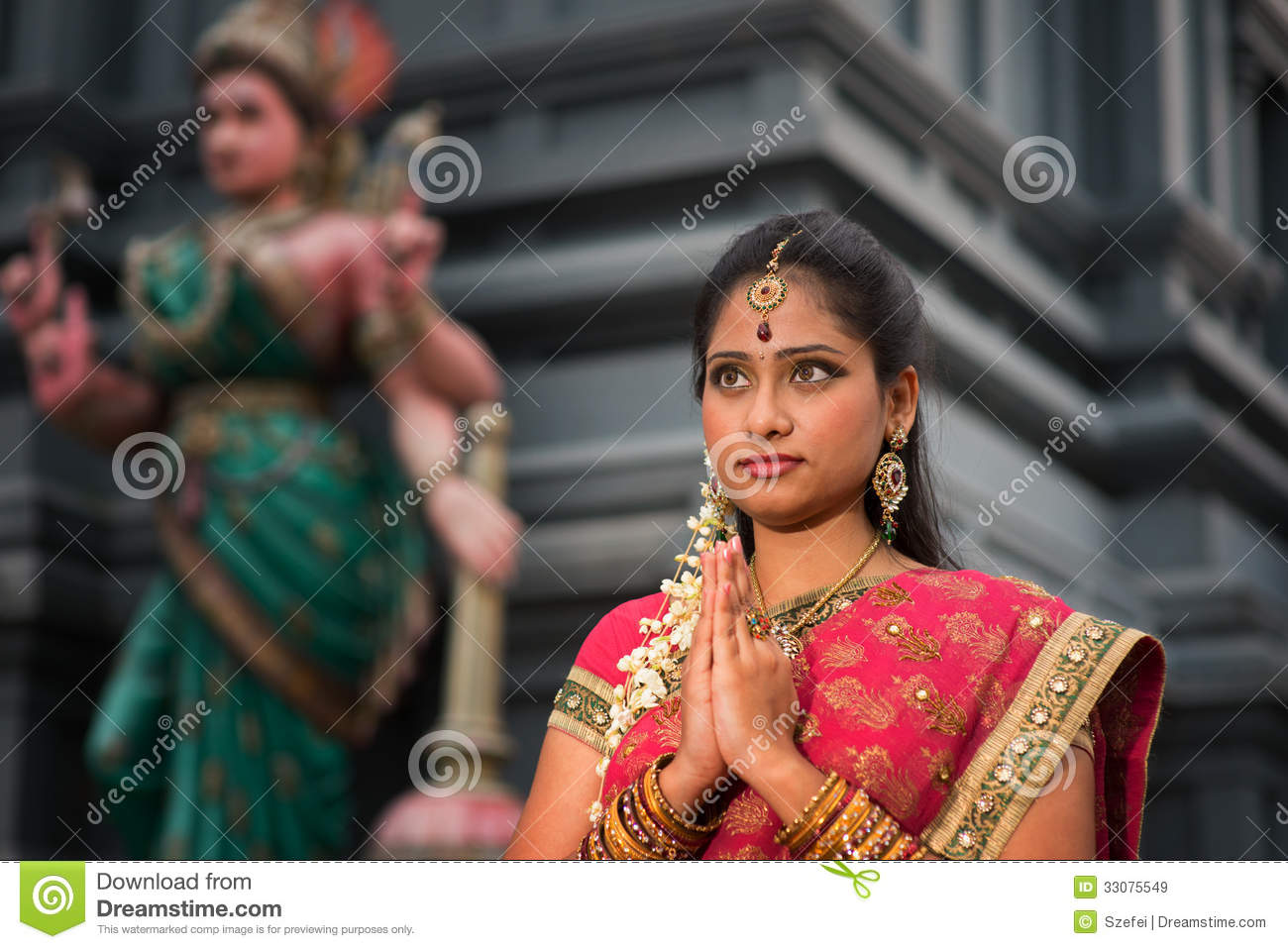 hindu single women in temple Women in hindu culture  mauryan and sikh armies v used their charms to kill invaders and temple breakers v women donated jewelery and money to fund national defense.