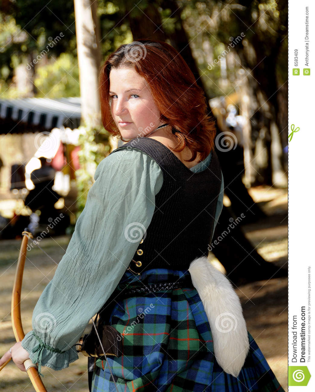 Young Lady Archer 2