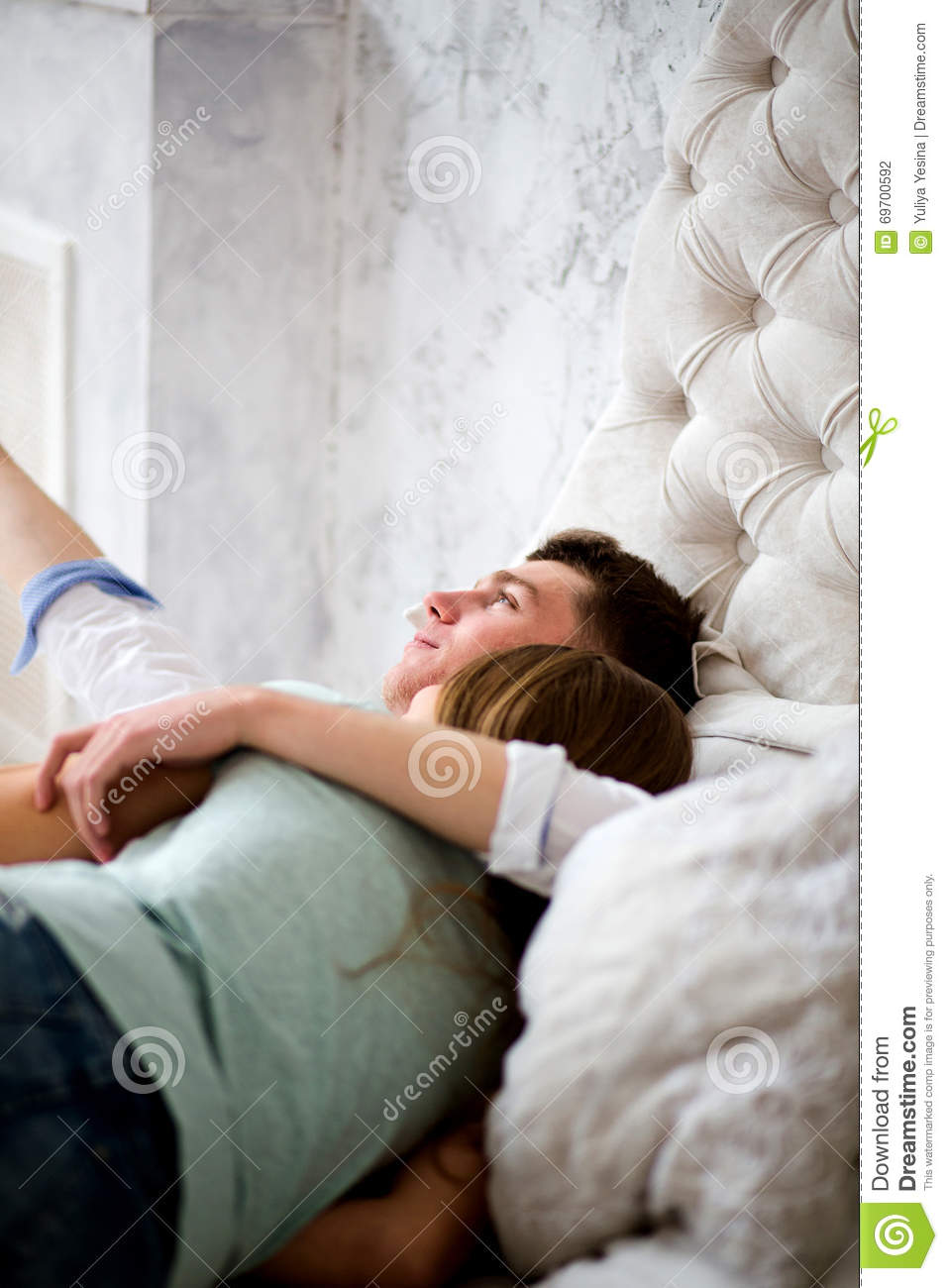 Tremendous Young Love Couple In Bed Girl Lying On The Boys Shoulder Download Free Architecture Designs Rallybritishbridgeorg