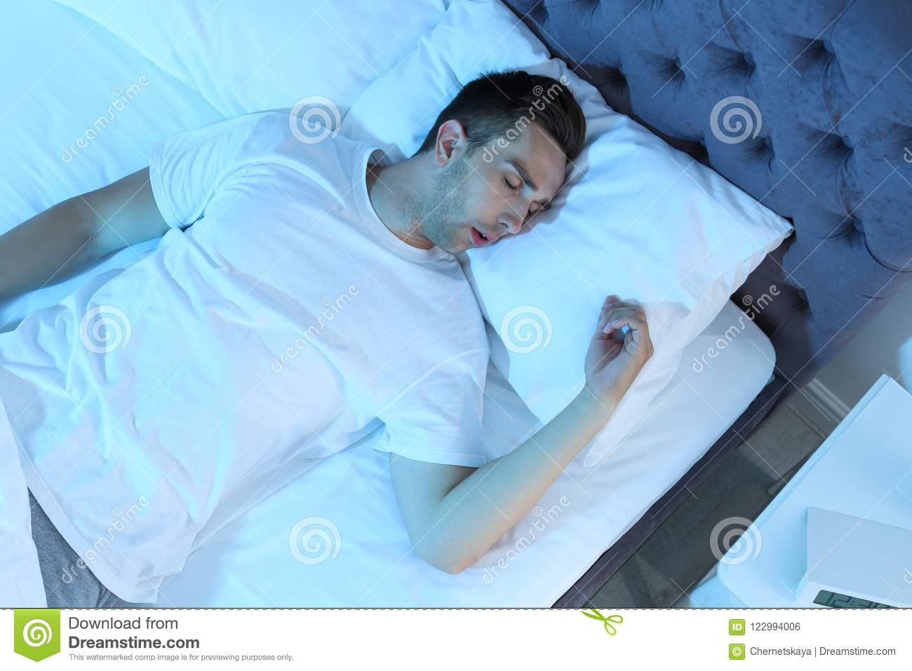 New Ways to Sleep to Stop Your Anxiety – Prevent Your Panic   Man Sleeping In Bed At Night