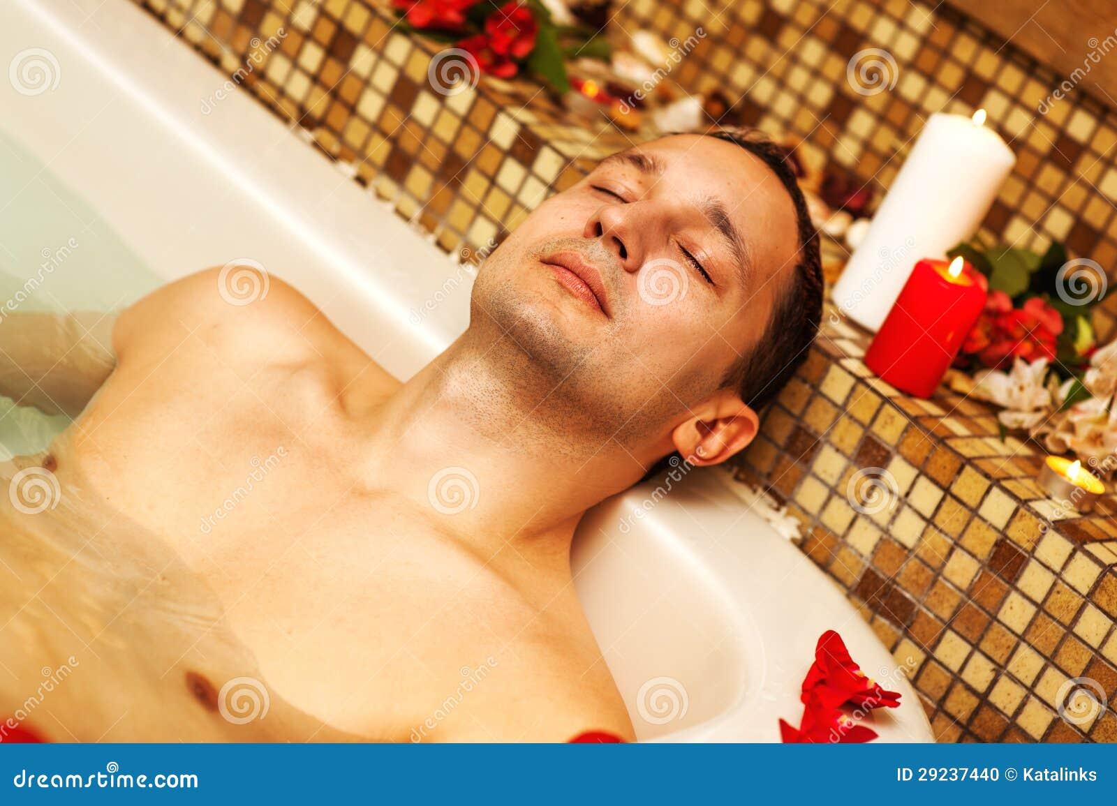 Секс молодых в ванне, Русское порно видео с тегом В ванной бесплатно 24 фотография
