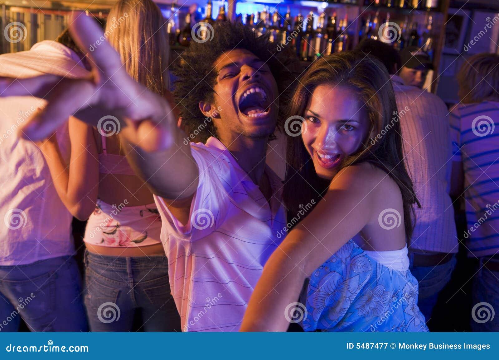 Танцует перед своим парнем 11 фотография