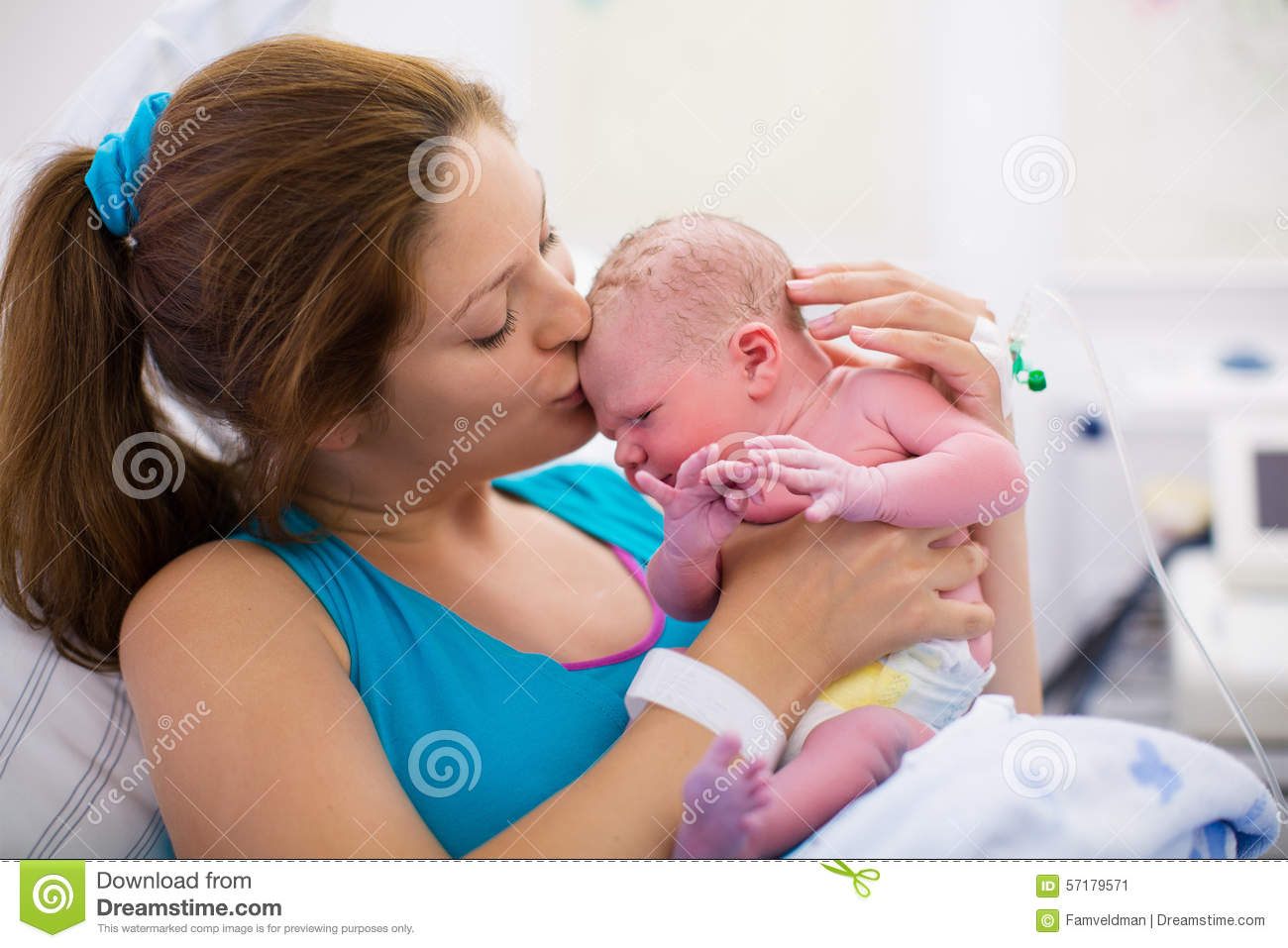 Baby Delivery In Labor Room