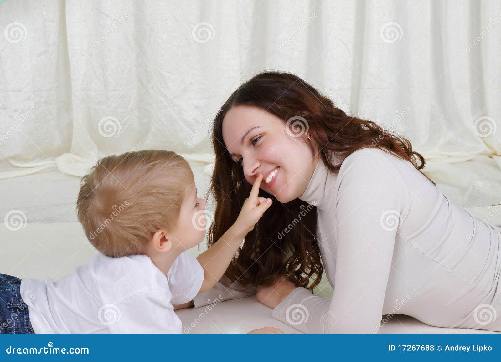 Сын и молодая мамаша 1 фотография