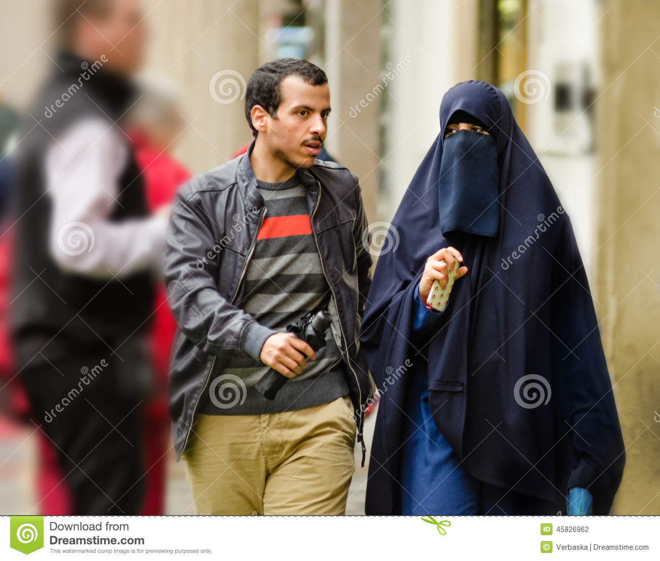 old town muslim single men If you are single and want to find a local lady for a long term relationship, the cape town women seeking men category is the place to find your new girlfriend the cape town women seeking men category is specifically for people wanting something serious, not a casual relationship or a one night stand.