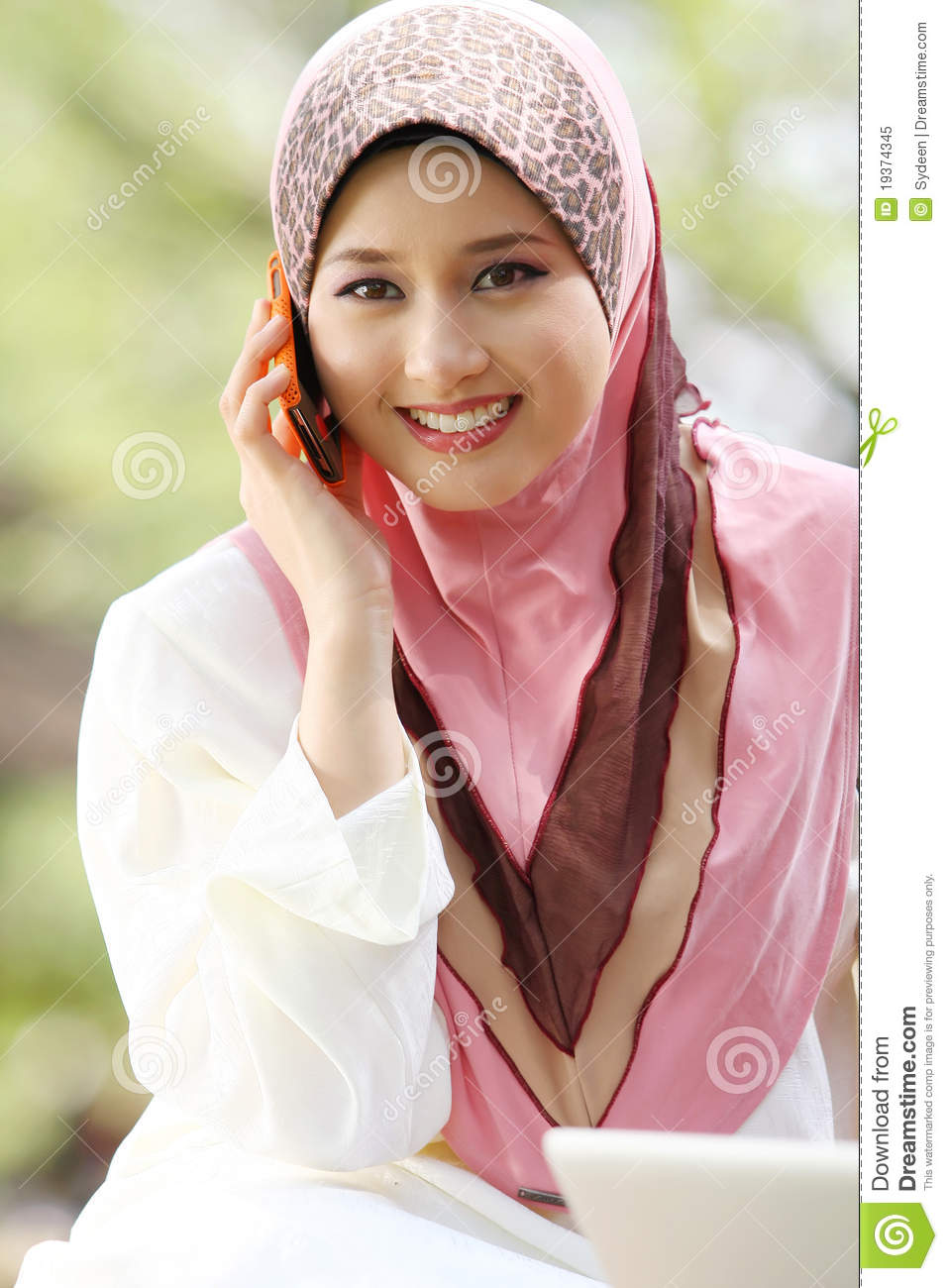 dow single muslim girls Get indian girls pictures and royalty-free images from istock find high-quality stock photos that you won't find anywhere else.
