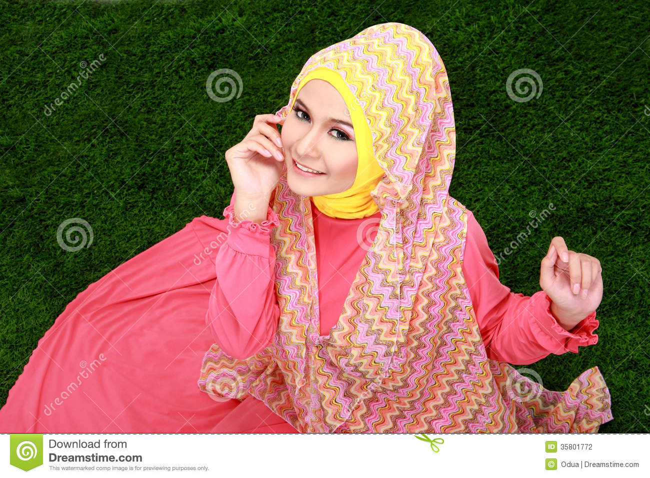 green camp single muslim girls The us supreme court delivered a tsunami of decisions this week, most of which left no doubt about its fiercely right-wing orientation by a narrow 5-4 majority, the court upheld republican gerrymandering in texas, overturned pro-choice legislation in california, dealt a significant blow to public sector unions and upheld president donald .