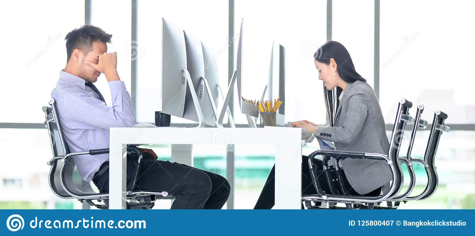 Young office workers are dedicated to working hard in modern off
